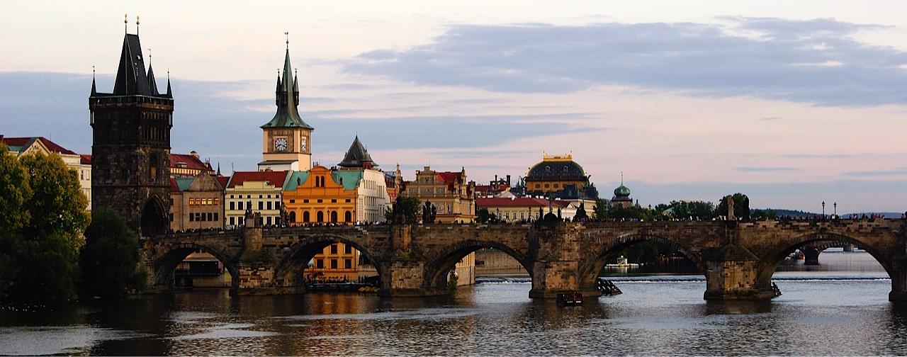 Charles_Bridge,_Prague