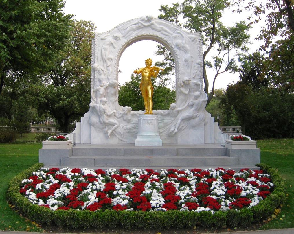 Vienna Stadtpark Johann Strauss statue