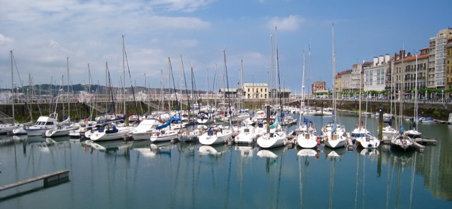 Gijón marina by the promenade